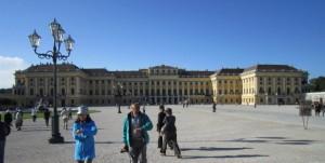 シェーンブルグ宮殿中庭